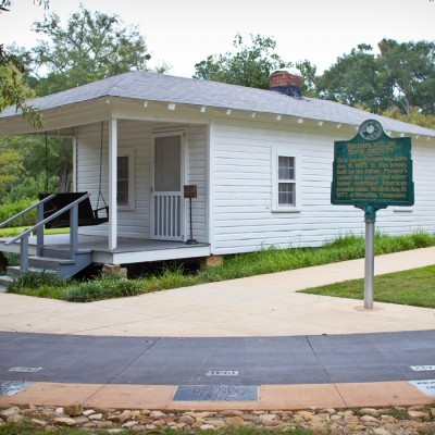 tupelo birthplace of elvis presley