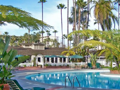 southern-sounds-san-diego-jazz-festival-town-and-country-resort-pool