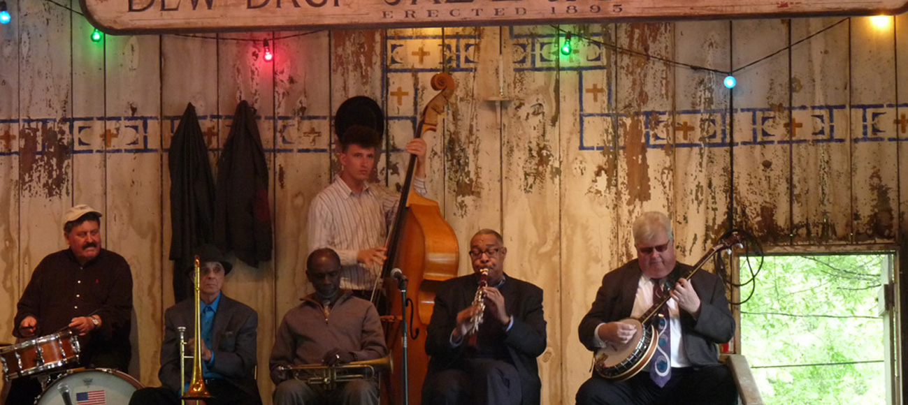 New-Orleans-Jazz-Holiday-Dew-Drop